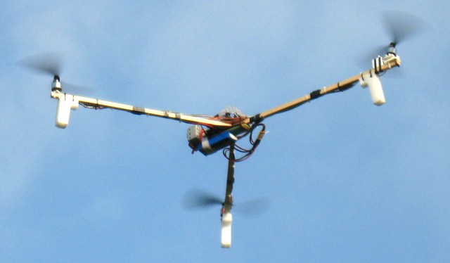Tricopter - flying :-)