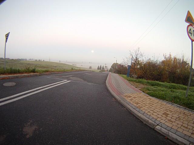 H46 - krajobrazik z mgłą i księżycem